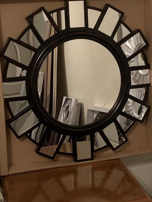 VERY NICE DECORATIVE WALL MIRROR for Sale in Fresno, CA