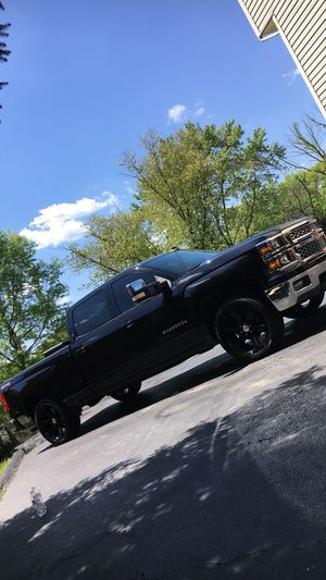 """2015 Chevy Silverado LT 6'8"""" Bed for Sale in Pittsburgh, PA"""
