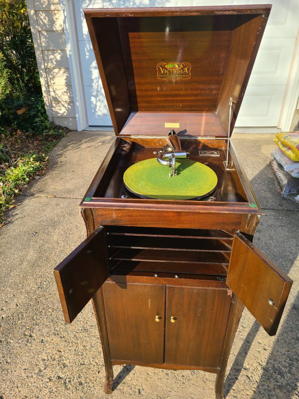 1921 Antique Victrola Phonograph Record Player