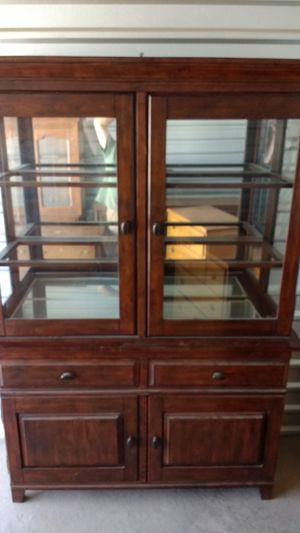 Beautiful China cabinet/hutch for Sale in Overgaard, AZ