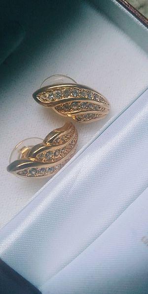 Diamond gold earrings for Sale in Mokena, IL
