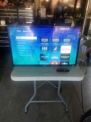 TCL ROKU Smart TV 32inch in great condition need it GONE today asking 150.00 for Sale in Lake Elsinore, CA