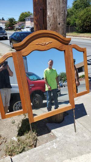 Free dresser mirror for Sale in Fremont, CA