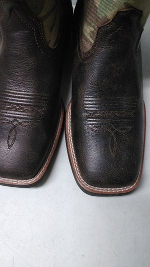 Cowboy boots Ariat $120 for Sale in Las Vegas, NV