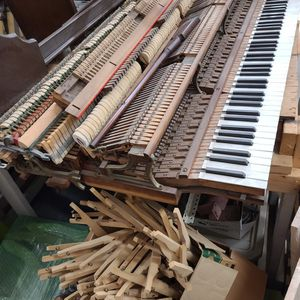 FREE Piano Keyboard Keys & Body FREE for Sale in Port Charlotte, FL