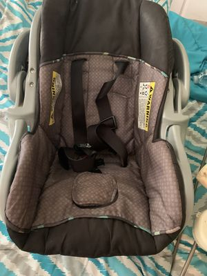 Infant car seat and base for Sale in Central, SC
