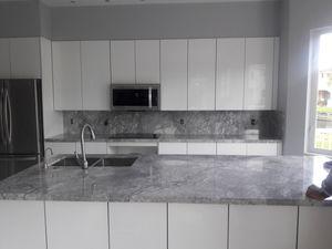 Hola quien esté interesado en instalar mármol cuarzo y granito estimado free puede llamar {contact info removed} for Sale in Hialeah, FL