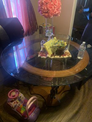 Round table chairs not included for Sale in Phoenix, AZ