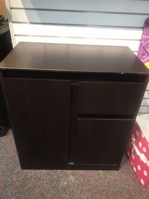 Small cabinet with adjustable shelves and drawer for Sale in Burlington, NC