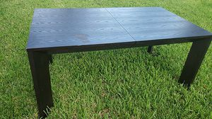 Dining table w/ leaf- solid wood- dinner table for Sale in Homestead, FL