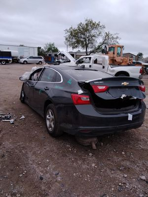 2017 Chevy Malibu for parts for Sale in Grand Prairie, TX