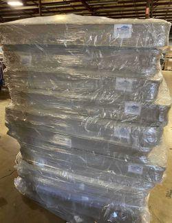 Liquidación de Colchones Nuevos W YS9 for Sale in Glendale,  CA