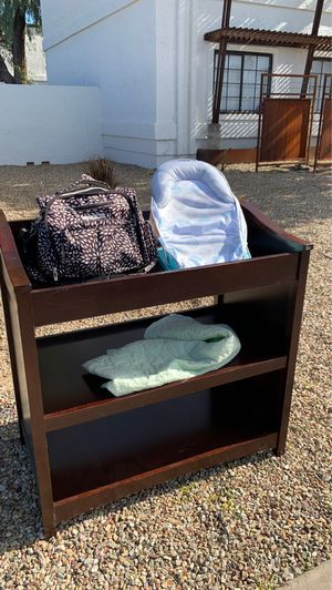 Changing table/diaper bag/ baby tub for Sale in Phoenix, AZ