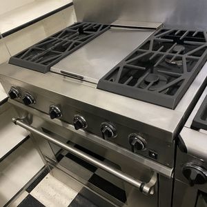 """30"""" Jennair Gas Range In Stainless Steel For Sale for Sale in Hesperia, CA"""