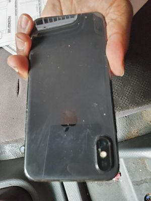 iPhone X Lil cracked on the left side for Sale in New York, NY