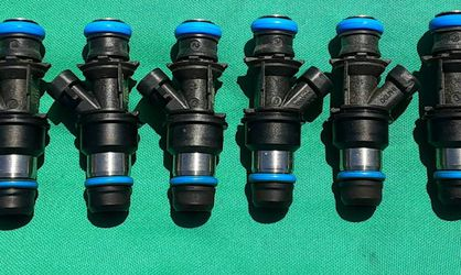 GM LS Fuel Injectors OEM Delphi for 99 -06 Chevy Silverado LS Swap 5.3 LM LS 4.8 ENGINES All for a low price of $89 for the set for Sale in Artesia,  CA