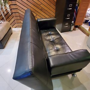 Large black leather futon or day bed for Sale in Lauderhill, FL