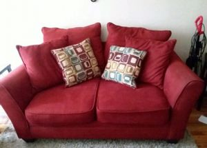 Red Love seat sofa for Sale in The Bronx, NY