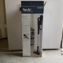 Style Selections Cordless Vacuum for Sale in Clovis,  CA