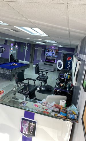 NEW BARBER SHOP LOOKING FOR BARBERS 💈✂️ for Sale in Lauderhill, FL