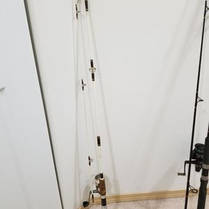 Shakespeare Wonderod fishing pole Rod And REEL Action taper for Sale in Lynnwood, WA
