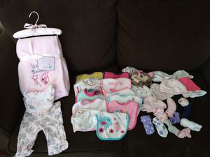 Girl clothes new born/0-3 for Sale in Albuquerque, NM