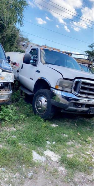 2004 ford f450 tow truck in search of an engine for it 6.0 power stroke for Sale in Chicago, IL