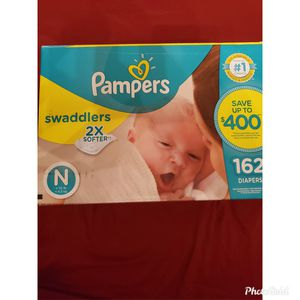 New born pampers for Sale in Aloma, FL