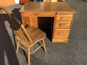Nice Sturdy Like NEW 4 Drawer Oak Desk with Matching SOLID OAK Chair for Sale in Arlington, WA