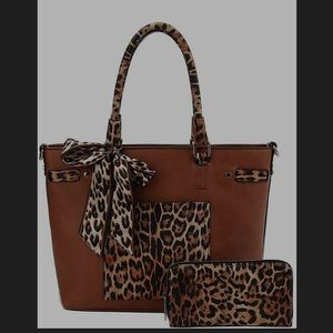 Elevatedqueens 2in1 Leopard Two Tone Scarf Tote Bag and Wallet for Sale in Los Angeles, CA