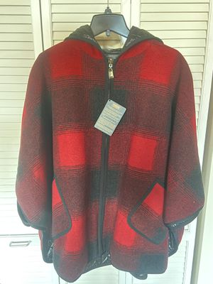 Women's Pendleton Wool Down Pancho New for Sale in Chicago, IL