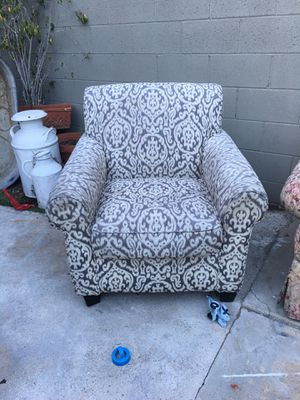 Couches free for Sale in Lynwood, CA