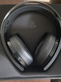 Sony PS4 Platinum wireless headphones for Sale in Upper Marlboro,  MD