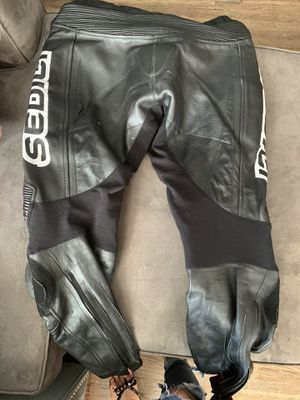 Sedici #16 leather pants with padding. Motorcycle gear for Sale in Los Angeles, CA