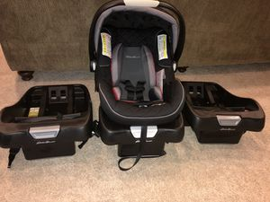 Eddie Bauer Sure Fit Infant Car seat with 3 bases. for Sale in Stephenson, VA