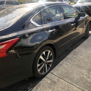 2017 Nissan Altima Sr for Sale in Miami, FL