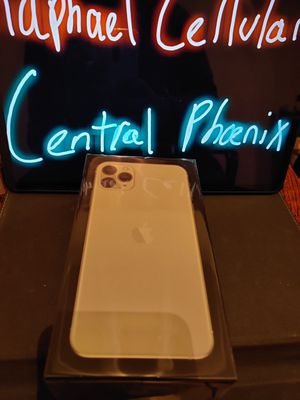 iPhone 11 max pro 512 GB Factory unlocked Silver BRAND NEW for Sale in Phoenix, AZ