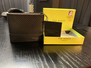 Ted Baker Carbon Fibre Wallet (Retail $99) for Sale in Henderson, NV