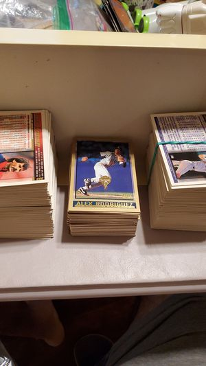 1997 topps cards for Sale in Chandler, AZ