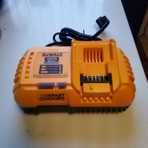 DeWalt Fast Charger for Sale in Modesto, CA