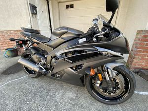 Yamaha 2016 R6 like new trade or sale let me knw what you have the is worth $8,000 for Sale in Hayward, CA