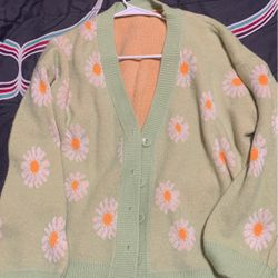 Women's cardigan for Sale in Victorville,  CA