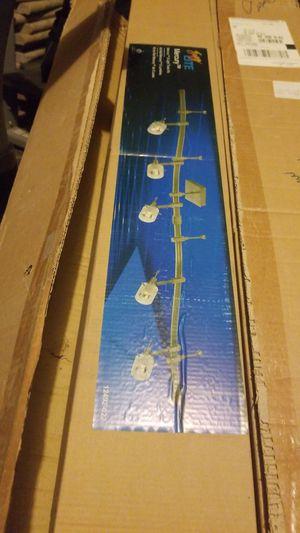 5 light track kit for island in kitchens for Sale in Las Vegas, NV