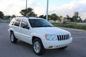 Runs Great 2004 Jeep Grand Cherokee AWDWheels for Sale in Lexington, KY