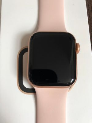 Apple Watch Series 4 Cellular 40mm Rose Gold for Sale in Providence, RI