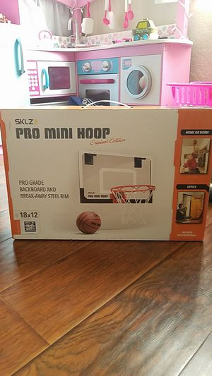Basketball hoop mini / over the door / BRAND NEW for Sale in Carson, CA