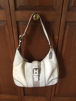 Coach hobo bag for Sale in Lake Zurich, IL