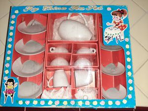 17 Piece Toy China Tea Set for Sale in Tacoma, WA