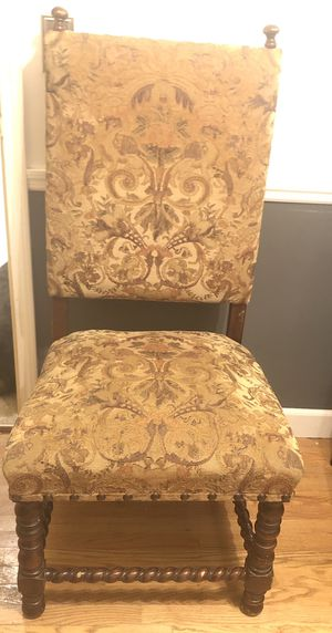 High Accent or Dining Chair for Sale in Wichita, KS