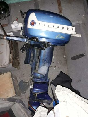 1958 Evinrude Fastwin 18hp outboard boat motor for Sale in Cuyahoga Falls, OH